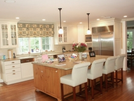 Scarsdale-Kitchen-with-Island-2-1024x839