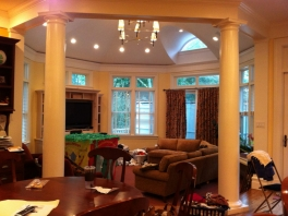 Octagonal-Family-Room-1024x765